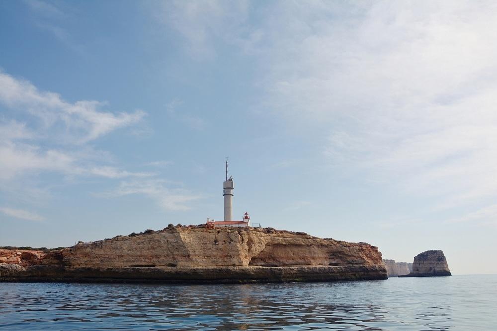 Latarnia morska Ponta doAltar Lighthouse wFerragudo.