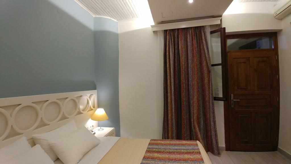 elia palazzo room