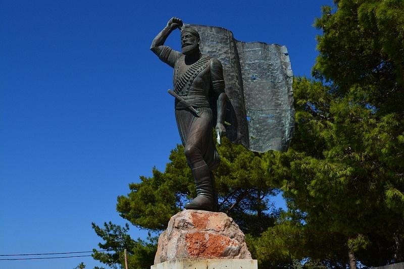 Pomnik Spirosa Kayalesa naWzgórzu Proroka Eliasza. wChanii.