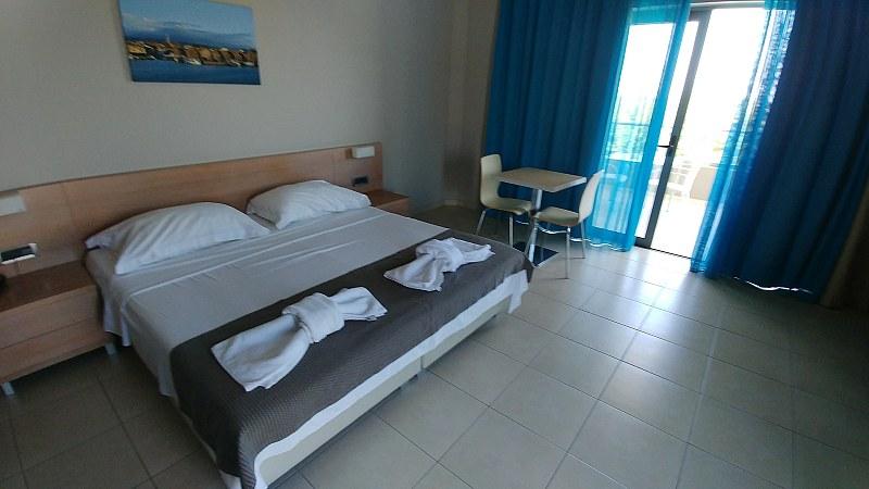 Pokój whotelu Nautilus Bay Hotel wKasteli Kissamos.