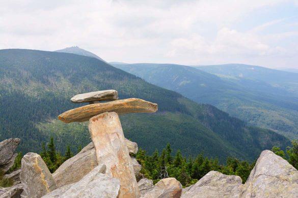 Ustawione kamienie - Skalny Stół.