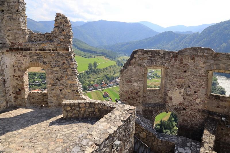 hrad strecno bezkresnepodroze