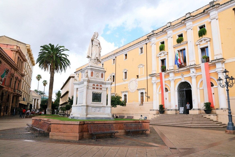 Oristano - Plac Piazza Eleonora d'Arborea wOristano.